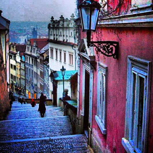 Stepping through Prague. Photo via @searlynot